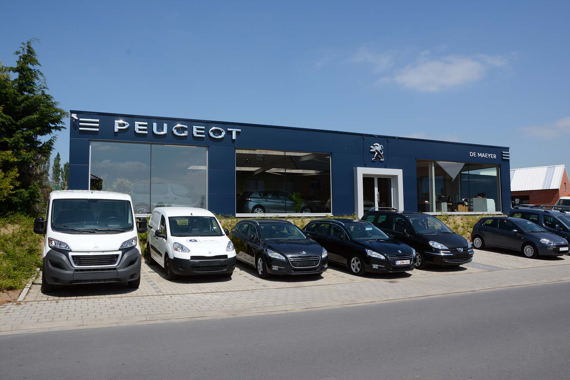 Garage peugeot de maeyer bc construct for Garage peugeot paris 17